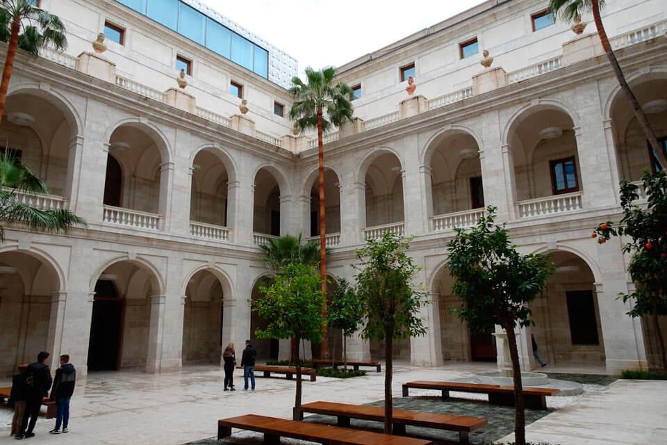 palacio de la aduana málaga edificios con historia