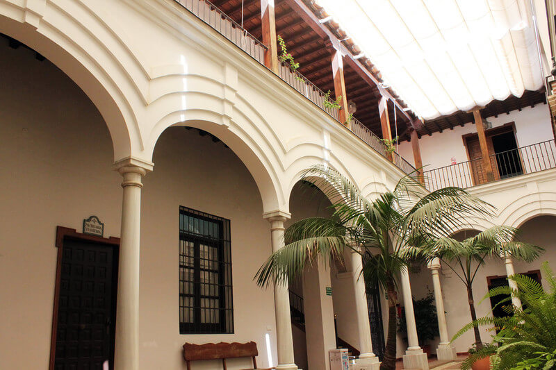 La-Sede-patio-administrativo-1