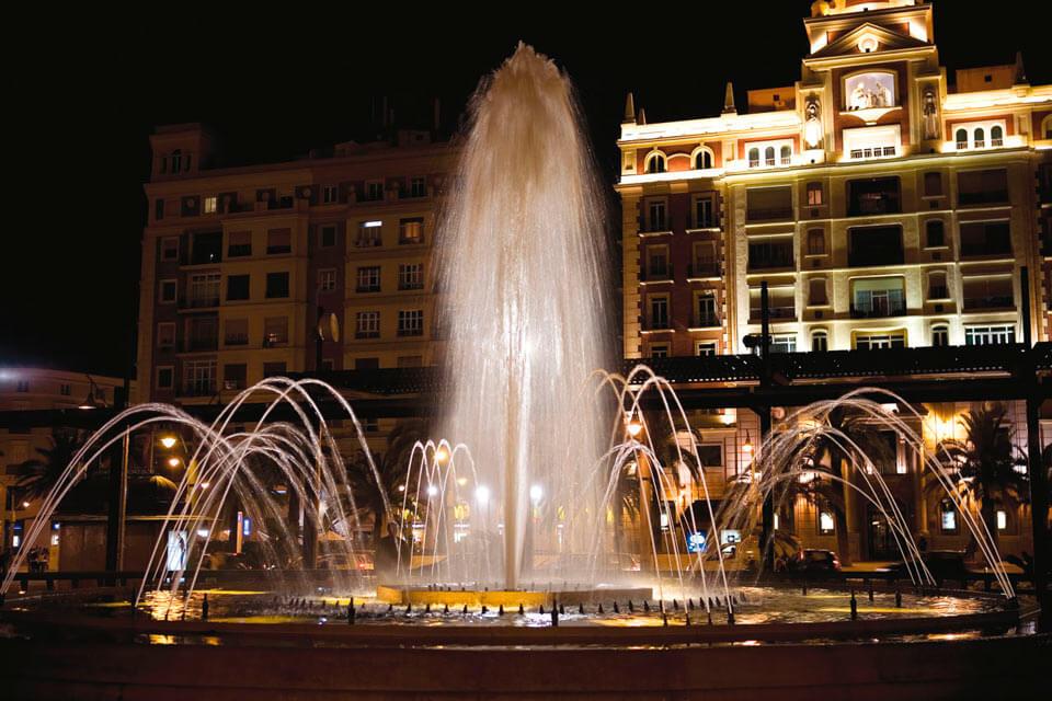 fuente plaza de la marina en Málaga